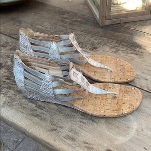 Donald J Pliner wedge thong sandals size 9.5